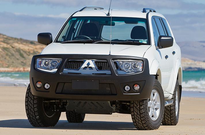 Mitsubishi Challenger 2009 with a SmartBar bull bar