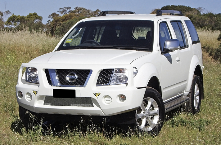 Nissan Pathfinder R51 04-05 to 02-10 with a SmartBar bull bar