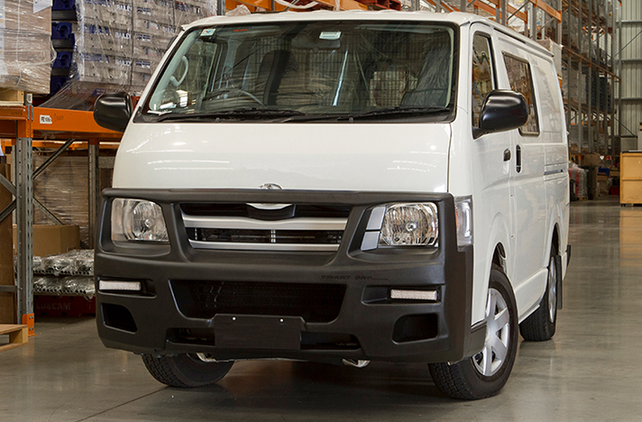 Toyota Hiace 03-05 with a SmartBar bull bar